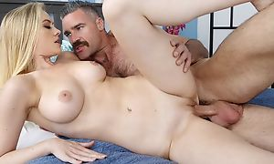 Blonde-haired hussy seduces and fucks her driver